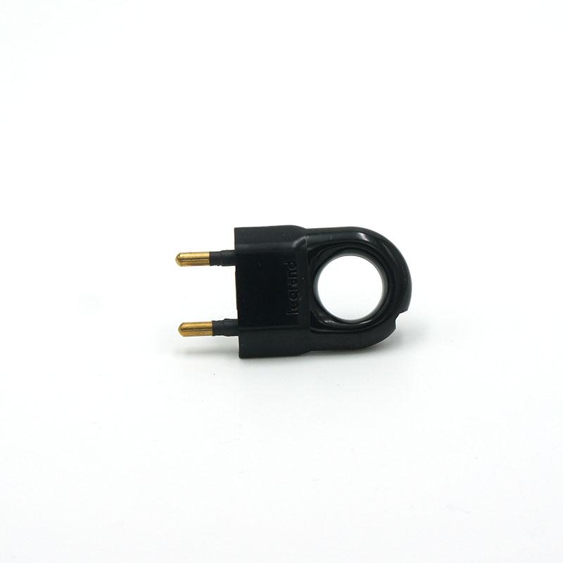Fiche électrique anneau noir