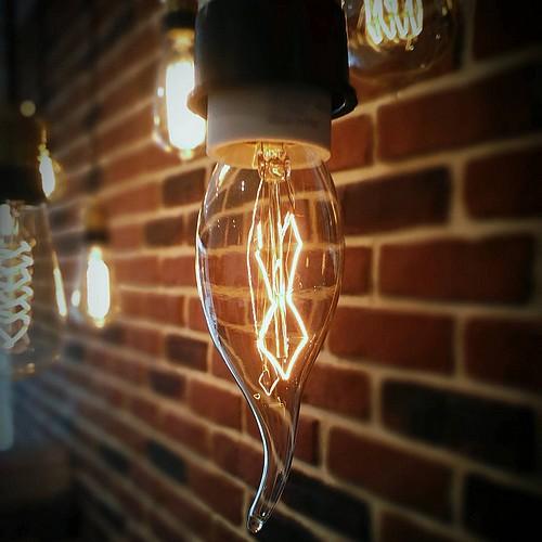 Ampoule déco vintage New-York 60W, E14
