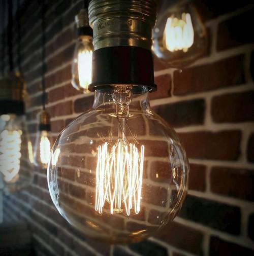 ampoule deco good ampoule led b rgb deco orange led flash. Black Bedroom Furniture Sets. Home Design Ideas